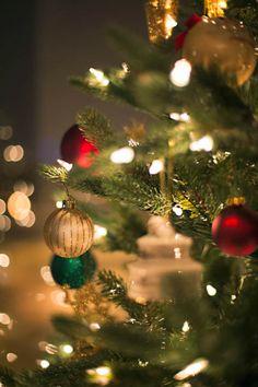 Annawithlove Photography: Life in Photos Christmas Lights Background, Christmas Lights Wallpaper, Christmas Phone Wallpaper, Christmas Mood, Noel Christmas, Christmas Bulbs, Christmas Decorations, Xmas, Christmas Lockscreen