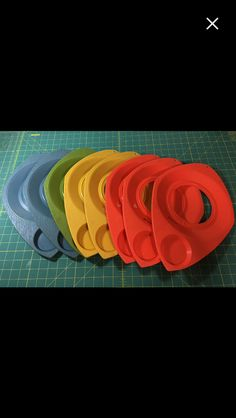 Vintage Atomic Style Plastic Paper Plate And Cup Holder Retro Mid ...