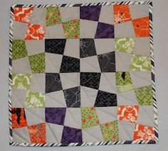Quilt Inspiration: Free Pattern Day: Halloween Halloween Quilt Patterns, Halloween Quilts, Halloween Fabric, Puzzle Quilt, Quilt Blocks, Twister Quilts, Fun Halloween Crafts, Halloween Table, Quilt Display