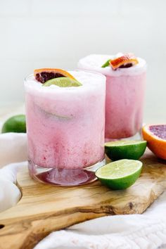 Pink Cocktails, Fancy Drinks, Summer Drinks, Cocktail Drinks, Cocktail Recipes, Pink Alcoholic Drinks, Easter Cocktails, Coffee Cocktails, Coconut Margarita