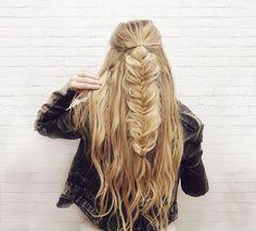 Half-up Fishtail Braid Hair Tutorial | Kassinka | Bloglovin'