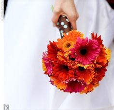 Art Gerbera Daisy wedding flower bouquet, bridal bouquet, wedding flowers, add pic source on comment and we will update it. www.myfloweraffair.com can create this beautiful wedding flower look.