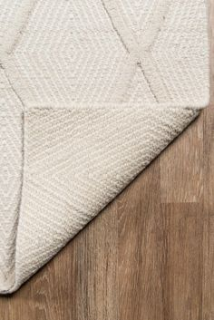 Shop the Rug - Color: Beige; Size: x by Momeni. Made from Wool in India. This Hand Woven Beige rug has a pile_height, perfect for a soft yet durable addition to your home. Beige Area Rugs, Wool Area Rugs, White Area Rug, Erin Gates, Beige Carpet, Fur Carpet, Modern Carpet, Textiles, Carpet Colors
