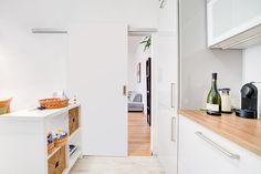 Posuvné dveře na stěnu, vysoký lesk bílá Design
