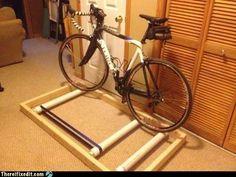 Brilliant DIY Indoor bike trainer.