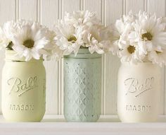 Vintage Mason Jar Vases - New Vintage Decor Paint with a Matte Chalk Finish, Wax and Stencils in @Michaels Stores and great for #diy furniture, #crafts and home decor projects #plaidcrafts #marthastewart #marthastewartcrafts