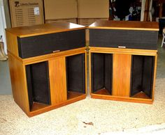 Pair Vintage KLIPSCH BELLE Speakers Sound remoteness in addition to traditional preparations from the appear