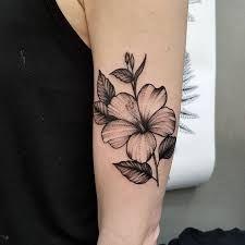 Resultado de imagem para hibisco tatuagem linha