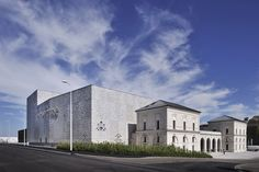 Théâtre of Saint-Nazaire in France by k-architectures