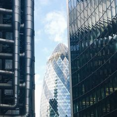 This is definitely scalable   The Gherkin poking it's head between Lloyd's of London & the Willis Building - check out those exposed innards  #thegherkin #lo_toblerone #ldn4all_tomorrowneverdies by russinlondon
