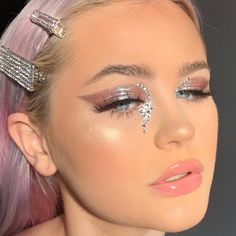 rhinestone makeup * rhinestone makeup rhinestone makeup simple rhinestone makeup black girl rhinestone makeup looks rhinestone makeup festival rhinestone makeup face rhinestone makeup halloween rhinestone makeup editorial Glam Makeup, Eye Makeup Glitter, Cute Makeup, Gorgeous Makeup, Pretty Makeup, Skin Makeup, Makeup Inspo, Beauty Makeup, Dramatic Makeup
