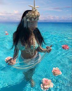 Yemaya Orisha, Oshun Goddess, Orishas Yoruba, African Goddess, African Mythology, Yoruba Religion, Spiritual Images, Black Goddess, Black Women Art