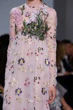 See detail photos for Giambattista Valli Spring 2016 Couture collection.