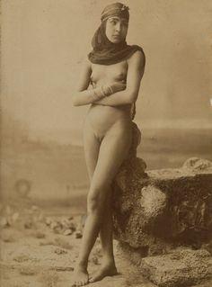 "les-sources-du-nil: "" Fellah Girl, Cairo, Egypt, circa 1885-1890 (Unknown Photographer, Herzog Collection) """