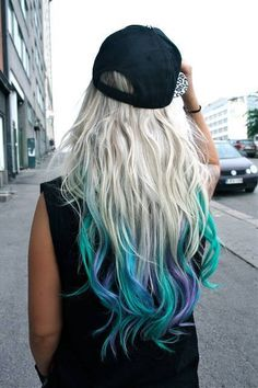 Want to dress up the tips of your hair with a bold color contrast? Our dip dye hair guide shows you how to get the trendy look using Manic Panic products. Blonde Dip Dye, Dip Dye Hair, Dye My Hair, Dip Dyed, Dyed Ends Of Hair, Dyed Tips, Hair Dye Tips, Blonde Hair With Blue Tips, Pastel Hair