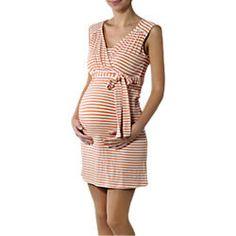 """Kleider tragen ist in der #Schwangerschaft besonders bequem. Unser Lieblingsteil ist grade dieses hier von """"Noppies"""". Das passt übrigens perfekt zu einem Erdbeereis in der Hand. ;) #Partnerlook #Schwangerschaftsmode #Umstandsmode"""