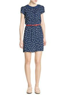 Swan print lightweight dress with baby doll collar, pleats on the front and belt with decorative bow.