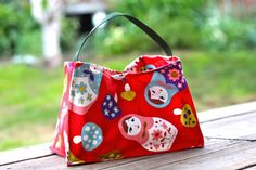 Oilcloth Lined Lunch Tote Tutorial | Prudent Baby