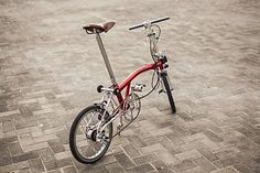 Candy chrome plated frame and nice details. 에노에이치 from Naver Brompton cafe all right reserved