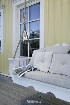 Mit der Porch Swing das Leben auf der Veranda verschaukeln;-))  Die Ketten haben wir mit Dekorstoff umwickelt - dies sieht schöner aus und kann farblich passend zu den Kissen abgestimmt werden.