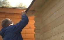 Regenrinne Montieren Schritt 6 Von 23 Gartenhaus Gebaude Sanierung Dachrinne