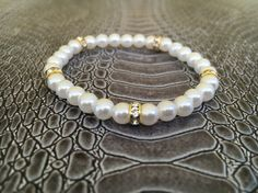 White bracelet with goldplated washers acrylic pearls by FsMade