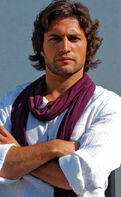 José Fidalgo,portuguese actor-  Lindo é força de expressão. Perfeito.