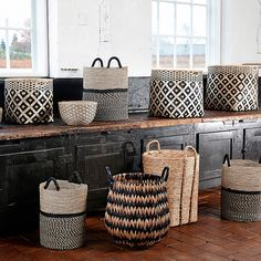 Incredbly panier déco,panier bambou,panier osier,panier hübsch,lovely market – All About Home Decoration Bamboo Basket, Wicker Baskets, Bamboo Crafts, Shabby Chic Bedrooms, Sisal, Storage Baskets, Decoration, Home Accessories, Sweet Home