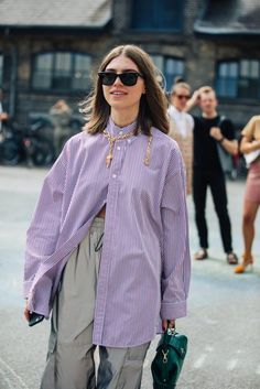 street style photo from copenhagen fashion show _ 3 - DIMANCHE Look Fashion, Fashion Photo, Autumn Fashion, Fashion Outfits, Fashion Trends, Fashion 2020, New York Fashion, Trendy Fashion, Fashion Ideas