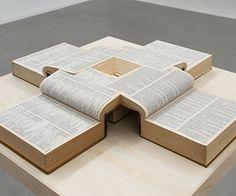 Oneindige boeken in een Möbiusring