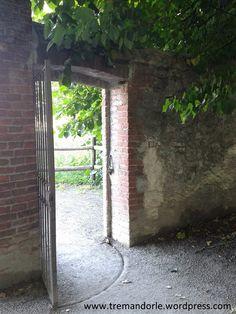 Una porta per il parco del Castello di Miradolo