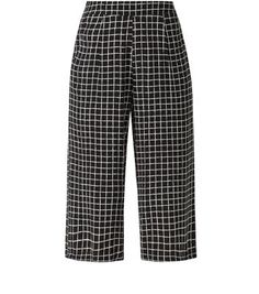 9ffe84bd8936d7 Keep the culotte trend casual by pairing this grid check design with a black  vest top