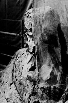 #Statues et #sculptures du #Louvre. Paris. Photo Serge Sautereau. http://www.serge-sautereau.com
