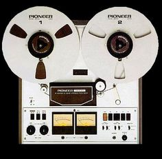 Pioneer RT-1011L stereo reel-to-reel tape recorder, excellent sound at a reasonable price. 3-heads, 3-motors with a belt-drive capstan. Excellent flutter filter made it stand out compared to competing models from Sony, Dokorder, Teac and Akai.