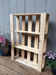 Either you want to store your coffee mugs, your books or plainly décor, either you want a new cabinet for your bathroom or you want to display your family portraits in a cool way, we have got enough pallet shelf ideas for you! More ideas at palletninja.com #homedecor #homeideas #pallets #palletfurniture #palletwood #PalletShelf #palletshelves