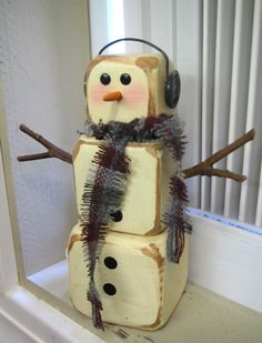 Another wooden snowman to make....love how rustic it is!!