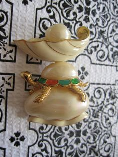 Vintage Signed Hattie Carnegie Turtle Pin / Brooch #hattiecarnegie #vintagebrooch