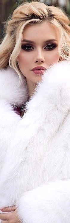Discover recipes, home ideas, style inspiration and other ideas to try. Winter Wedding Fur, Winter Bride, Winter Wonderland Wedding, Fall Wedding, Vintage Fur, Vintage Bridal, Vintage Girls, Fur Stole, Winter Wedding Inspiration