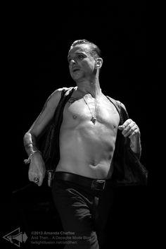 Dave Gahan of Depeche Mode photo by Amanda Chaffee
