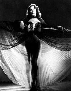 """Jane Greer as Kathie Moffat in """"Out of the Past"""" (1947)"""