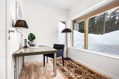 (4) Rødsåsen - Nytt og moderne enderekkehus med fantastisk beliggenhet i naturskjønne omgivelser nær Heggedal sentrum. Boligen er vesentlig oppgradert med tilvalg. | FINN.no Dining Bench, Real Estate, Windows, Furniture, Home Decor, Homemade Home Decor, Table Bench, Real Estates, Home Furnishings