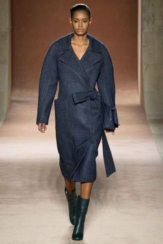 Victoria Beckham Fall – Winter Collectionf for 2015