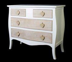Comoda en color blanco y decape con 4 cajones de estilo vintage, entra en este enlace y descubre mas:  http://rusticocolonial.es/mueble-vintage-de-gran-calidad-al-mejor-precio/comodas-y-aparadores-vintage-de-gran-calidad-al-mejor-precio