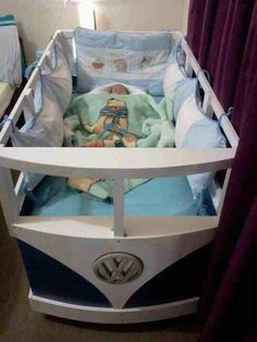 Most awesome crib ever. If I ever have kids I'm soo having my dad make this...
