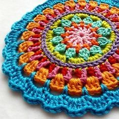 Picture Tutorial for this Crocheted Mandala from ruchiyk on Live Internet.