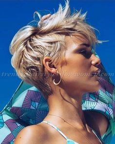 Fashionable-Pixie-Haircut-Ideas-For-Spring-201836.jpg 1,024×1,287 pixels #ShortHairStyles