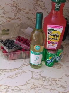 Moscato Wine Punch (Mommy Juice): 1 bottle wine, [half] container of lemonade, and half a liter of sprite and berries of choice. Alcohol Drink Recipes, Sangria Recipes, Cocktail Recipes, Cocktail Drinks, Wine Cocktails, Simple Sangria Recipe, Bartender Recipes, Bartender Drinks, Wine Coolers Drinks