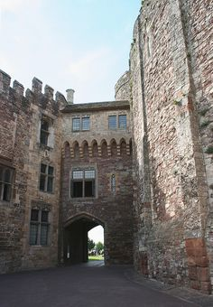 Berkeley Castle main gate - Berkeley Castle is in the town of Berkeley, Gloucestershire