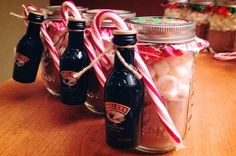 Hot coco with marshmallows in a mason jar Candy cane and Bailey s on the side - The world's most private search engine Mason Jar Christmas Gifts, Mason Jar Gifts, Homemade Christmas Gifts, Homemade Gifts, Holiday Gifts, Christmas Diy, Marshmallows, Mason Jar Cocktails, Drinks