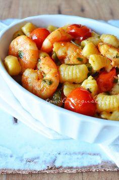 gnocchi di patate con gamberi e pachino0